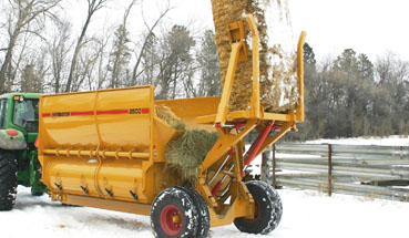 Haybuster Balebuster 2800 square bale processor