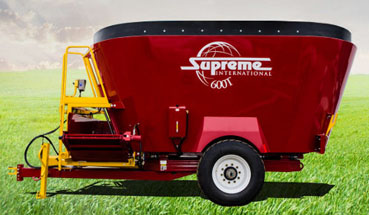 Supreme 600T Pull Type Feed Wagon with twin augers